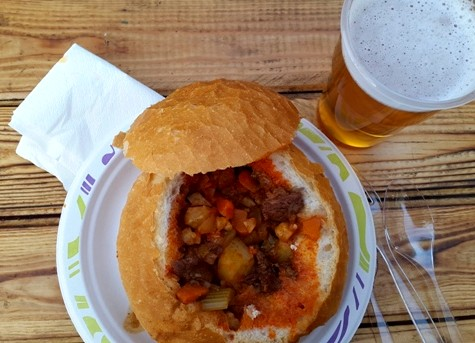 Goulash on the bread