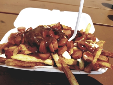 Manger une poutine-Road Trip Québec