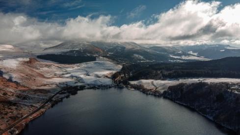 Le lac de Guéry vu de Drone